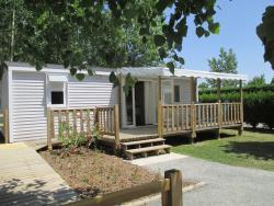 Mobile-home ROSEAU, wheelchair access, 2 bedrooms, equipped for someone with reduced mobility