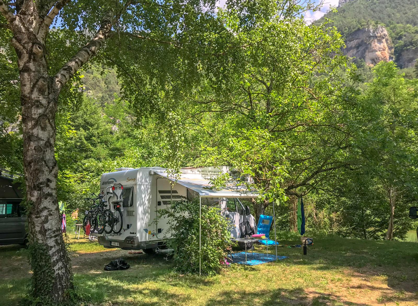 Emplacement - Emplacement Camping Confort - Huttopia Gorges du Tarn