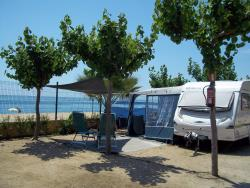 CAMPING PITCH FRONT LINE BEACH (caravane or tent+car+elect.3 amp)/(camper+elect.3 amp)