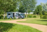 Pitch - Pitch: tent/caravan or camping-car + electricity - Camping Sites et Paysages DE L'ÉTANG