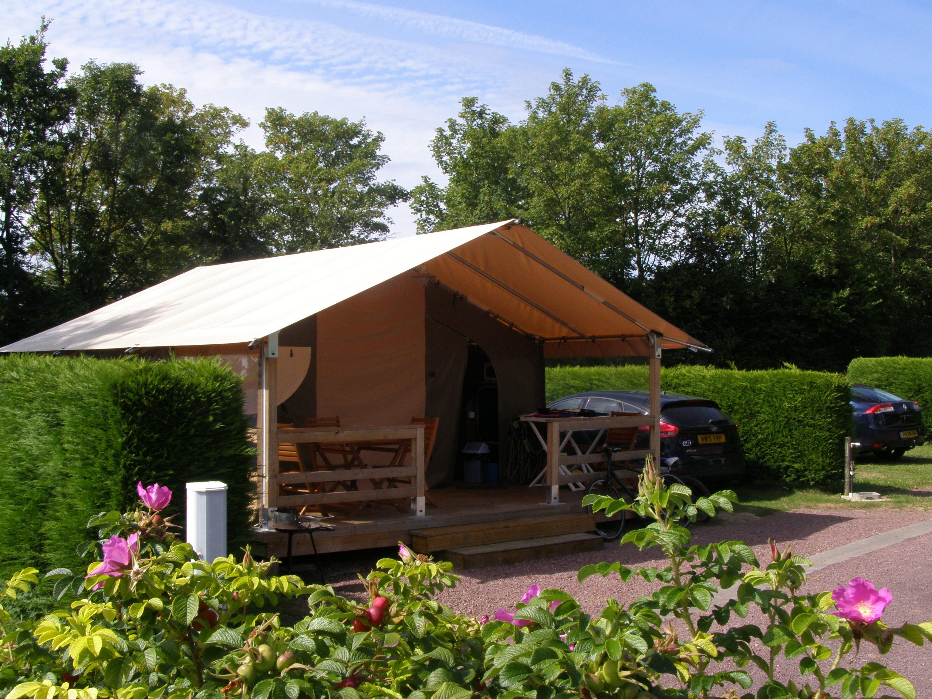 SAMOA TENT 30m² with bathroom -