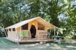 Rental - Classic IV Wood&Canvas tent without toilet blocks - Huttopia Saumur