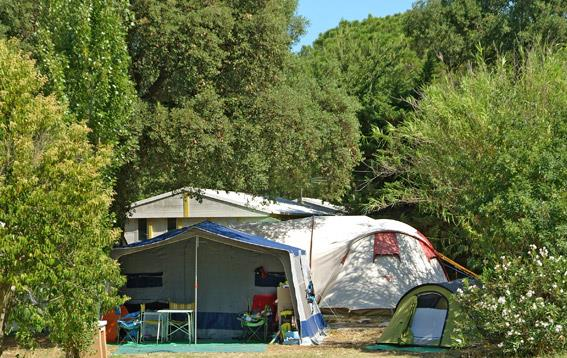 Comfort Package (1 tent, caravan or motorhome / 1 car / electricity 6A)