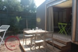 Rental - Coquelicot tent 17m² (1 bedroom) + 1 car included - Flower Camping les Chênes Rouges
