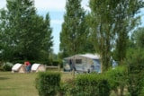 Pitch - Pitch With Vehicle - Camping Sites et Paysages LE VAL D'AUTHIE