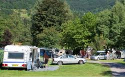 Pitch STANDARD : car + tent/caravan or camping-car + electricity