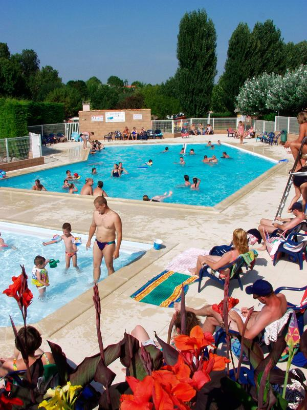 Mare, piscina Camping LE VAL VERT - VAUX SUR MER