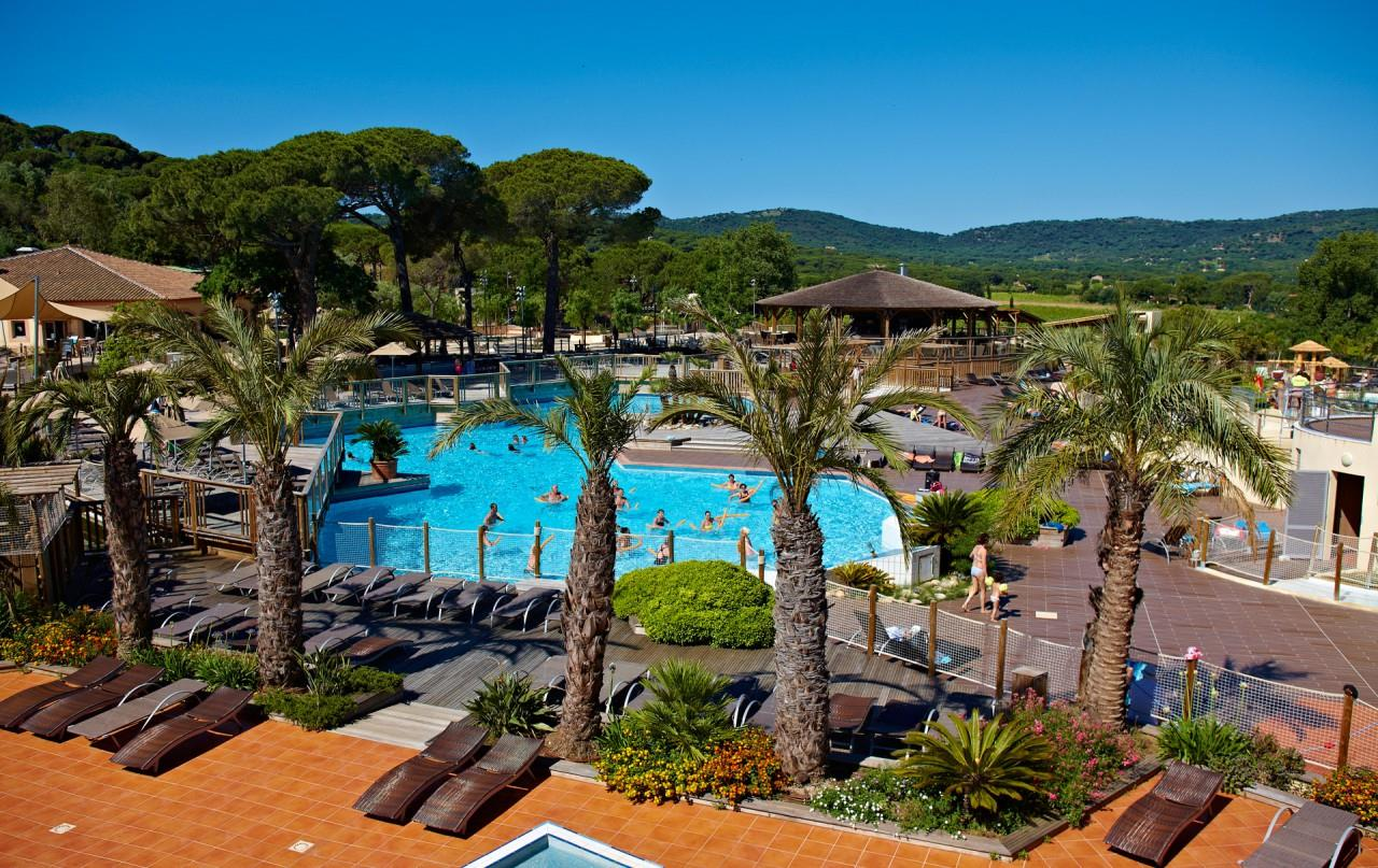 Yelloh village les tournels camping qualit for Camping saint tropez avec piscine