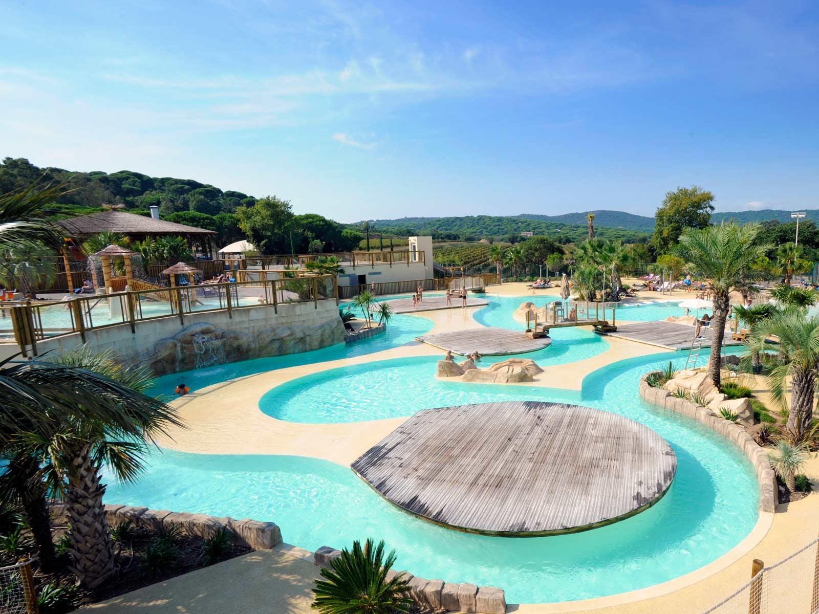 Yelloh village les tournels for Camping giens avec piscine
