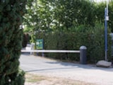Pitch - Camping-car area + electricity + water and drainage point - Camping Le Bois Vert