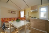 Rental - Mobilhome Cordova 30 m² - 2 bedrooms + sheltered terrace - Camping Côté Plage