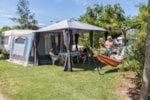 Pitch - Package STANDARD : Pitch + car+2 pers - Camping CALA GOGO