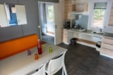 Rental - Mobilhome adjusted for disabled persons, 30.5m², terras, toilet and shower - Creuse Nature Naturisme