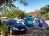 Pitch - Pitch + 1vehicle + 3 pers - Camping La Vallée du Paradis