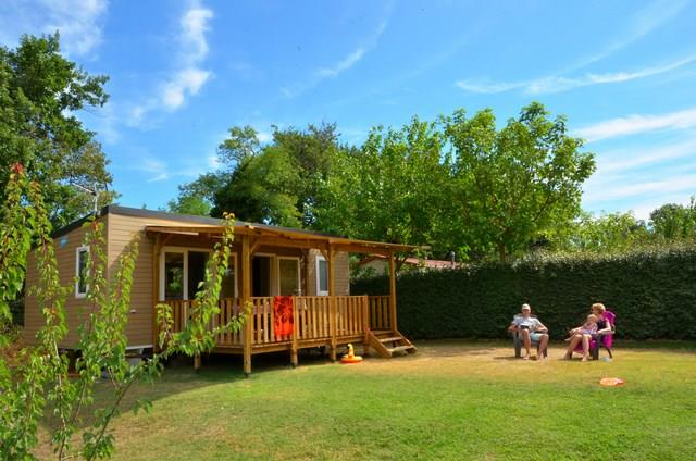 Accommodation - Mobile Home Kiwi 2 Bedrooms / Wooden Terrace / Tv / Air-Conditioning (2015) - Camping Le Soleil Fruité