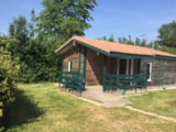Rental - Chalet Jardin CONFORT  33m² 2 bedrooms (baby bed), (Wheelchair friendly) + sheltered terrace 9m² - Flower CAMPING LA BRETONNIERE