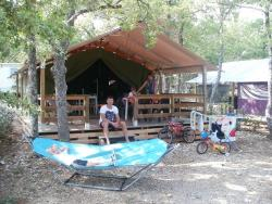 Huuraccommodaties - Freeflower Confort 37M² (2 Slaapkamers) - Terras 10M² - Flower Camping l'Epi Bleu