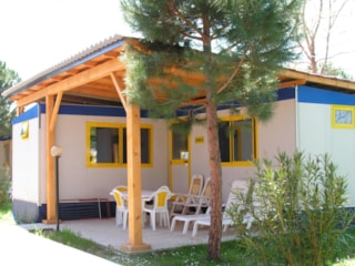 Mobile Home ADAC 28 m² - 4 Beds + 1 extra person in the livingroom - 2 bathrooms - veranda