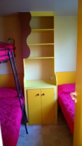 Rental - Mobile Home DELUXE (airconditioning included) 26 m² - 5 Beds + 1 extra person in the livingroom - Terrace - 1 bathroom - Camping Villaggio Italgest