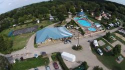 Etablissement Camping Les Bords De Loue - Parcey