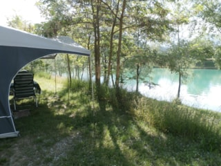 Pitch package Comfort Near the Lake(car, tent or caravan or camping-car, with electricity 6A)
