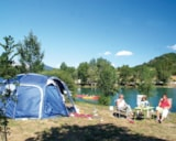 Pitch - Pitch package Comfort Near the Lake(car, tent or caravan or camping-car, with electricity 6A) - VivaCamp Lac Bleu