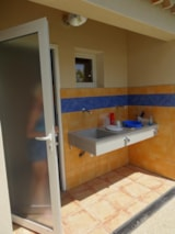 Pitch - Camping pitches with private bathroom (20m from the pitch) - Camping Les Coudoulets
