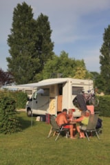 Pitch - VIP Package - Camping L'Arada Parc