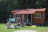Rental - Chalet Country Lodge (35m²), 2 bedrooms, bathroom and covered terrace. - Camping Sites et Paysages DE VAUBARLET