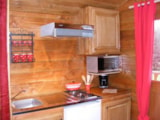 Rental - La Roulotte Robinson (gypsy wagon) (23m²) with  tent on stilts. - Camping Sites et Paysages DE VAUBARLET