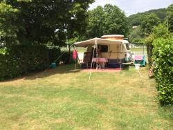 Pitch - Package Nature Plus  (2 persons - camping-car or 1 vehicule + 1 tent/caravan) + electricity - Le Moulin du Bleufond-Lascaux