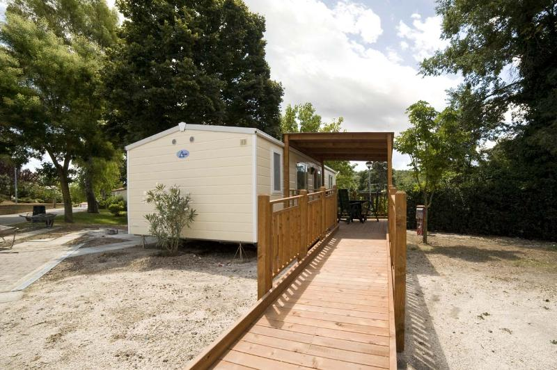 Wheelchair friendly Village Flaminio Bungalow Park Camping**** - Roma