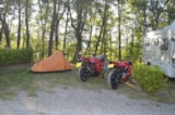 Pitch - Pitch for car or motorbike and tent - Camping Village Mugello Verde