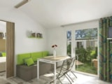 Rental - Mobil-home PMR: 2 BEDROOMS - 5 PERSONS - from 30 M² - Covered terrace - 8 years - DOMAINE DE L'OREE