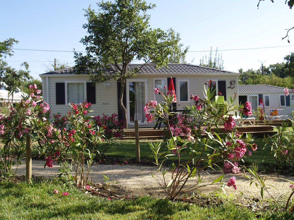 Premium Mobile Home - 3 Bedrooms - 32M² With Bathroom