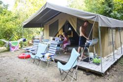 Huuraccommodatie - Toile&Bois Tent Sweet + - Huttopia Royat