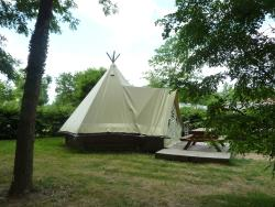 Accommodation - Teepee Tent Rental Per Night - Base de Loisirs Cormoranche