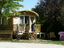 Accommodation - Roulotte 2 Bedrooms - GERVANNE CAMPING