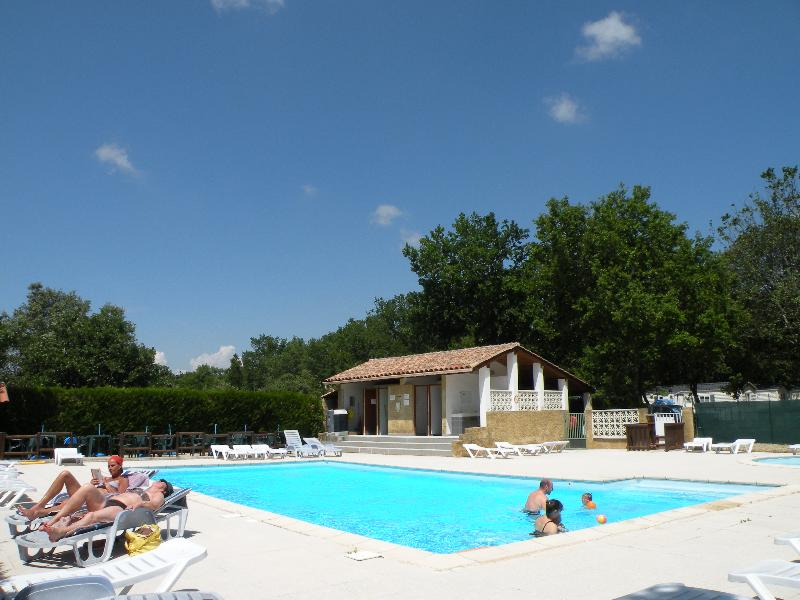 Bathing Camping LES TRUFFIERES - GRIGNAN