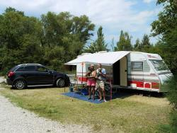 Pitch - Nature Package (1 Tent, Caravan Or Motorhome / 1 Car) 100-120M² - Camping Les Rives de l'Aygues