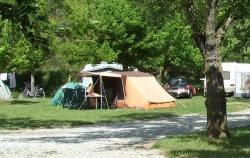 Pitch - Pitch Tent Or Caravan + Car :Important - Camping Les Tuillères