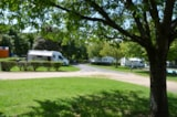 Pitch - Forfait curiste 1 person / 21 nights in site with electricity, a car + a caravan OR a motorhome (pet included) - Camping du Breuil