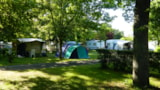 Pitch - Pitch + car + tent or caravan + electricity - Camping Les Peupliers