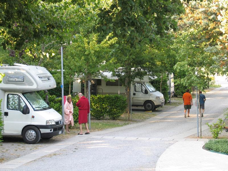 Pitch camping car for Camping parco delle piscine toscane