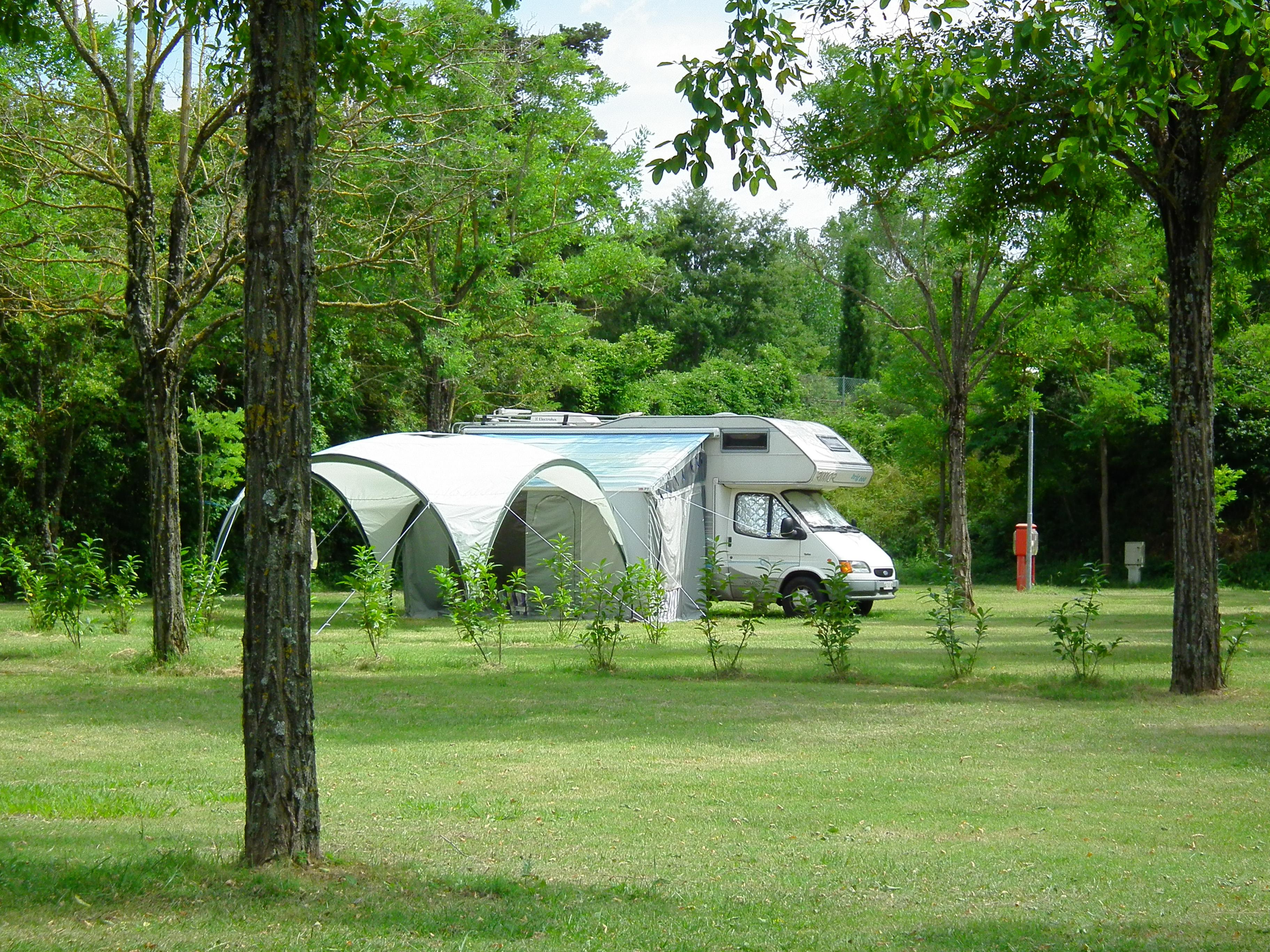 Pitch camping car for Camping parco delle piscine sarteano
