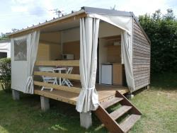 Accommodation - Bungalowtent (Without Toilet Blocks) - 21M² - Camping du Lac du Lit du Roi