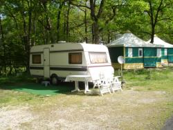 Pitch - 2 people + 1 pitch + 1 vehicle without electricity - Camping LA GARENNE