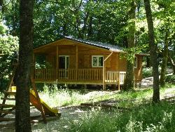 Rental - Chalet LA CABANE 4 PERS  35m²+ Covered Terrace + TV - Camping LA GARENNE