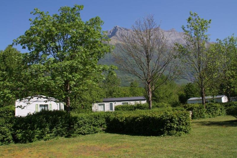 Etablissement Camping du Lac de Carouge - SAINT-PIERRE-D'ALBIGNY