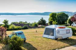 Package 1 person : Pitch + 1 car + tent , caravan or camping-car